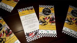 Hochzeits-Einladungskarten im Rockabilly-Style